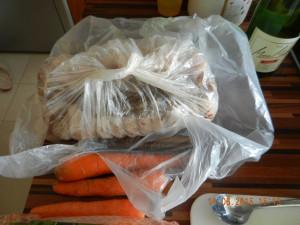 Porchetta in der Tüte frisch aus dem Kühlschrank